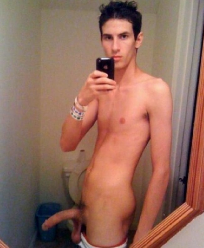 Nude Twink With Long Cock And Long Balls - Just Nude Twinks