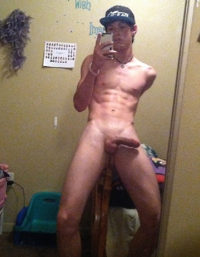 Slim Nude Boy